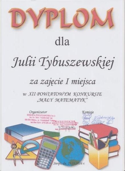Julia Tybuszewska 001