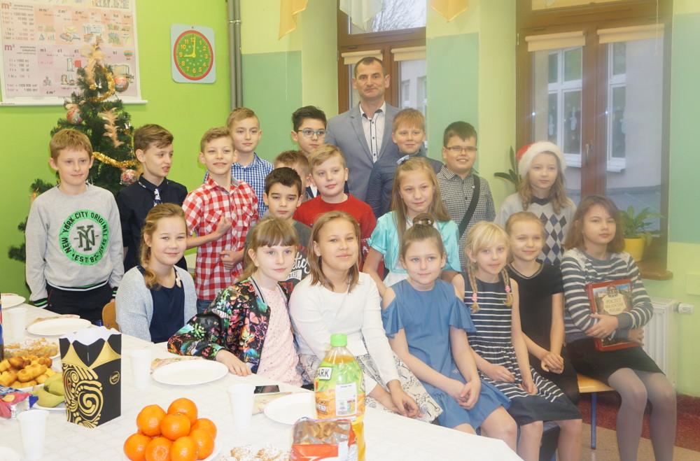 klasa 4 c - wychowawca: Dariusz Malanowski